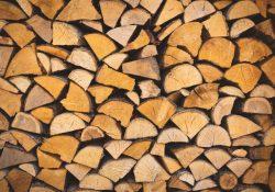 Hold dig varm vinteren igennem med bøgebrænde