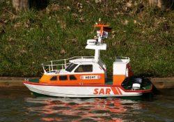 Køb en fjernstyret båd, og slip din indre kaptajn fri